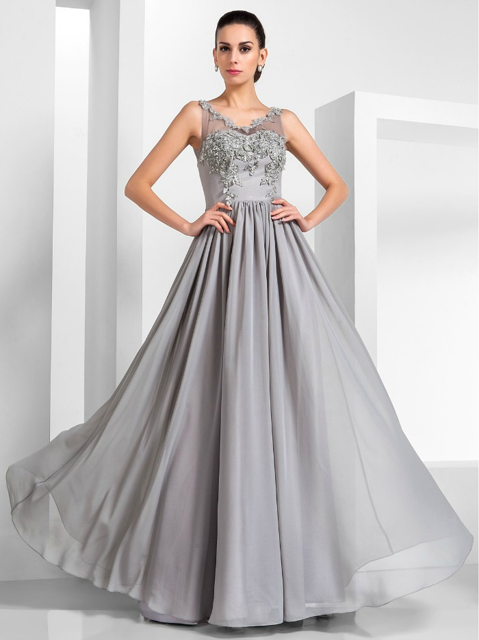 Dresses That Flatter Full Figures